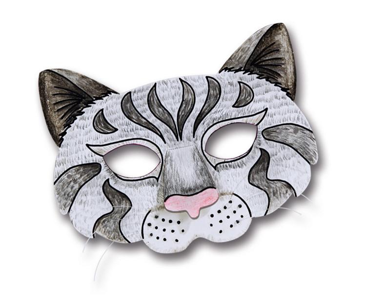 Mačka z útulku, s ktorou Erika pózovala, na ňu zaútočila a takmer jej vyškrabla oko.