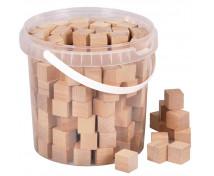 [Dřevěné kostky v kbelíku]