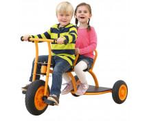 [Rowerek trzykołowy Maxi dla 2 dzieci]