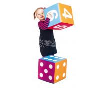 [Kreatívna kocka s číslami]
