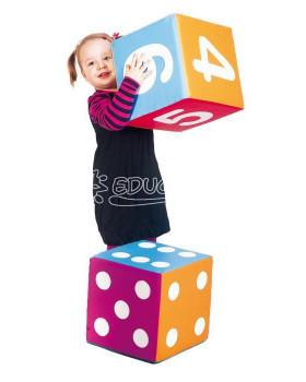 Kreatívna kocka s číslami