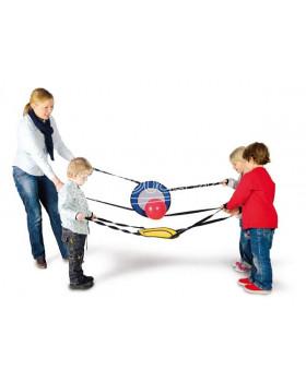 Balančná hra pre skupinu detí