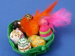 Miska s velikonočními vajíčky