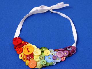 Gombíkový náhrdelník